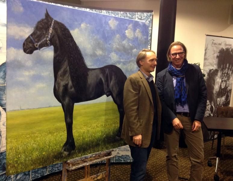 Dan Brown ontvangt Fries Paard geschilderd door Jacques Grégoire